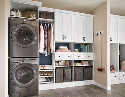 ClosetMaid_MasterSuite_White_NavyBacker_WOfronts---Laundry_Mid-(1500pxs_digital)